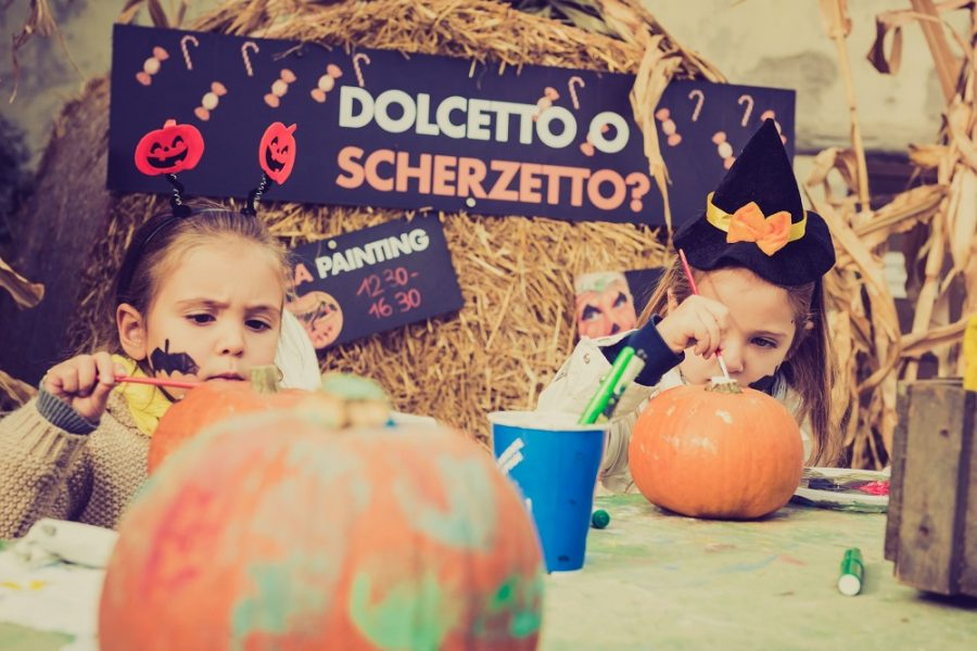 Zoom_Halloween_Laboratori