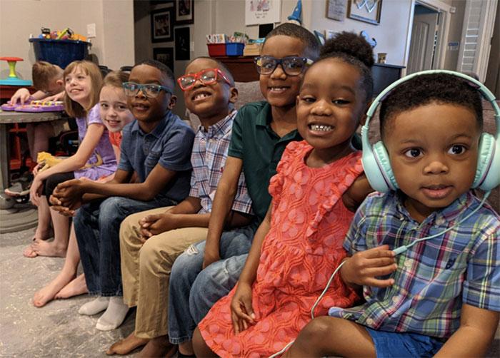 dopo-tre-figli-naturali-adottano-5-fratellini:-la-bella-storia-della-famiglia-bonura