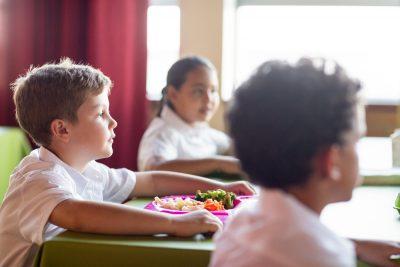 mense-scolastiche-i-genitori-spendono-in-media-80-euro-al-mesa-lemilia-romagna-e-la-regione-piu-cara