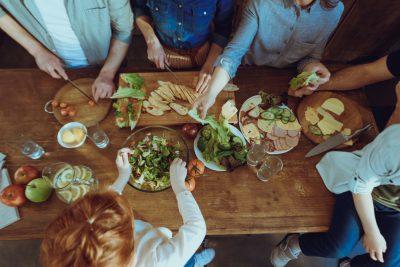 mangiare-insieme-a-tavola-ecco-perche-e-importante