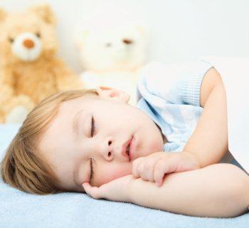 far-dormire-bimbi-soli-mission-impossible-non