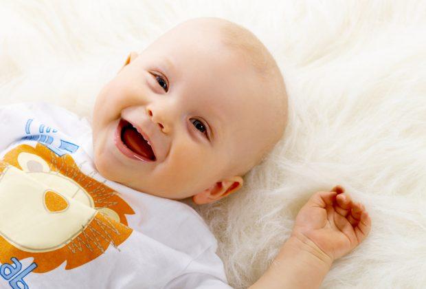 sorriso-dei-neonati-vedere-voi-sorridere