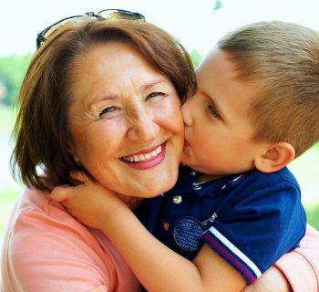 coccole-vizi-nonni-minano-leducazione-dei-bambini
