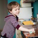 bambini-lavori-casa-perche-no