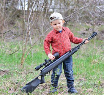 bambini-e-caccia-la-proposta-di-safari-che-fa-infuriare-gli-animalisti