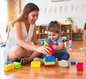 il-bonus-baby-sitter-non-e-cumulabile-col-congedo-parentale:-i-chiarimenti-dell'inps