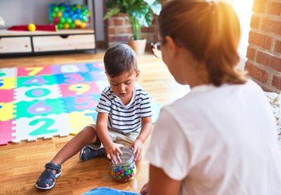 ritardi-dello-sviluppo-intervista-al-neuropsichiatra-infantile