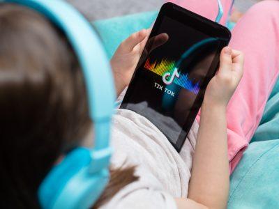 tiktok-ecco-le-nuove-funzionalita-per-tutelare-i-figli