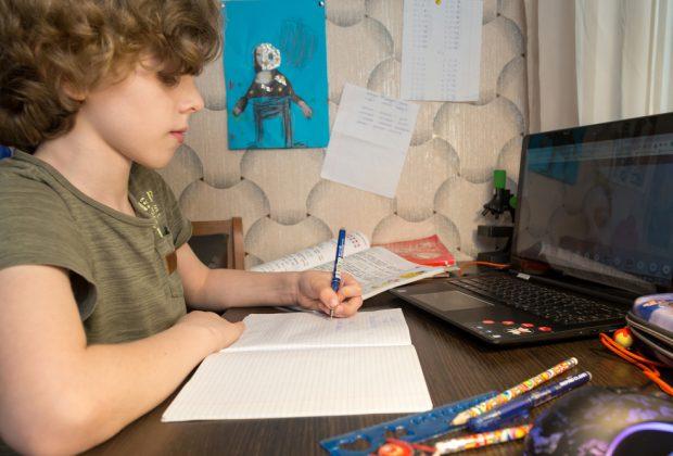 come-dovrebbe-essere-progettata-e-decorata-la-stanza-di-uno-studente