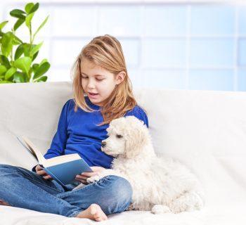 reading-dogs-i-cani-che-facilitano-la-lettura-ai-bambini-con-difficolta-scolastiche
