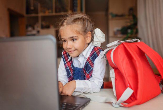 scuola-con-la-pandemia-la-gita-diventa-virtuale