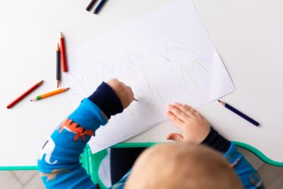 scoprire-bambino-mancino-segnali-neonato
