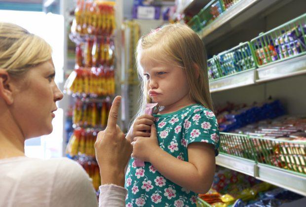 bambino-ineducato-genitore-esempio