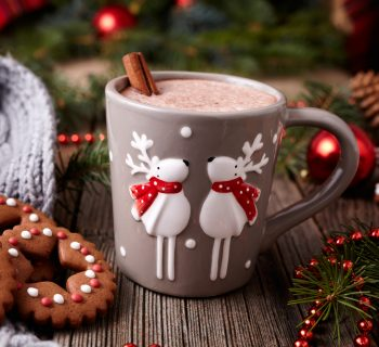 la-cioccolata-calda-le-sue-origini-nelle-tradizioni-di-natale