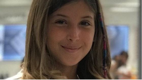 a-10-anni-aiuta-l'amica-disabile-a-socializzare-con-i-compagni-di-classe-e-viene-nominata-alfiere-della-repubblica