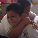 messico-bimbo-down-consola-lamico-autistico-e-il-video-dellabbraccio-diventa-virale