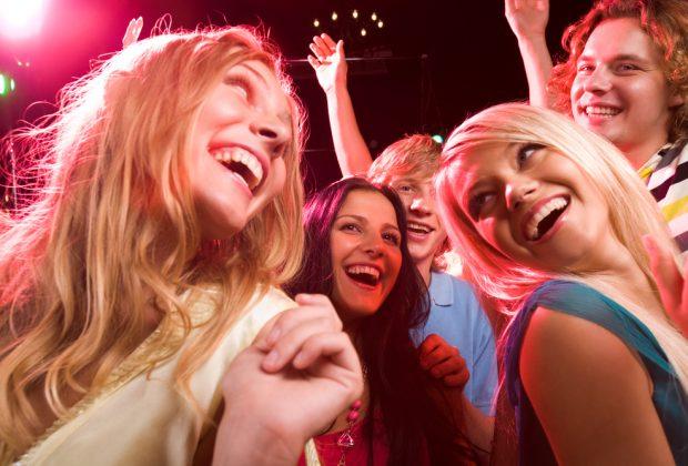 adolescenti-e-prime-uscite-serali:-come-comportarsi?