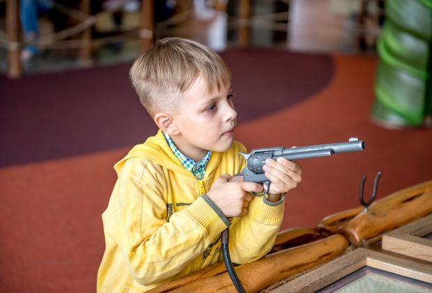 bambini-e-gioco-delle-armi-principi-educativi-e-false-convinzioni