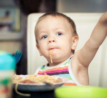 bambini-in-aumento-i-casi-di-soffocamento-in-italia-ecco-quali-sono-gli-alimenti-piu-pericolosi