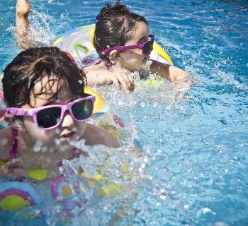 bambini-e-rischio-annegamento-ecco-perche-e-importante-insegnare-loro-a-nuotare