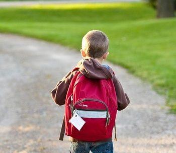 rientro-a-scuola-scegliere-lo-zaino-per-proteggere-la-schiena-dei-piccoli