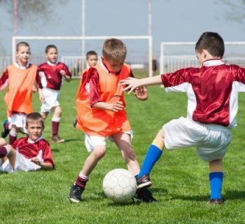 calcio-giovanile-casi-di-razzismo-sugli-spalti-i-ragazzi-reagiscono-contro-i-genitori