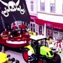 il-carnevale-ai-tempi-del-covid-famiglia-tedesca-ricrea-la-parata-in-maschera-con-i-playmobil
