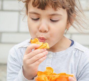 ora-della-merenda-la-meta-dei-bambini-italiani-assume-troppe-calorie