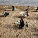 oggi-si-fa-lezione-in-spiaggia-lidea-di-una-scuola-spagnola