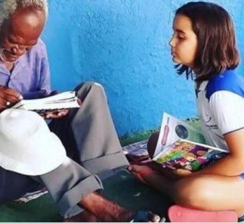 rato-ragazzina-insegna-ad-un-anziano-a-leggere-e-scrivere