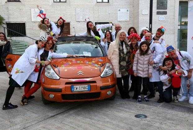 ecco-i-taxi-clown-per-regalare-un-sorriso-ai-bambini-malati