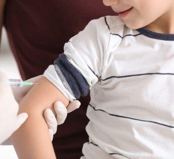 faenza-la-classe-si-vaccina-in-massa-per-far-tornare-la-compagna-malata-di-leucemia