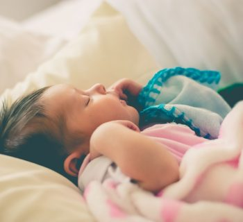 la-nanna-un-rimedio-naturale-per-far-dormire-meglio-i-bimbi