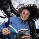la-buonanotte-dalle-stelle-gli-astronauti-leggono-delle-fiabe-dallo-spazio