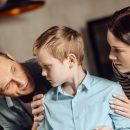 genitori-elicottero-un-eccessivo-controllo-sui-figli-puo-compromettere-il-loro-sviluppo-emotivo