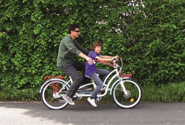 la-bicicletta-degli-abbracci-per-i-bambini-disabili