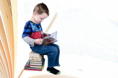 i-bambini-dislessici-trovano-giovamento-nel-leggere-ai-gatti