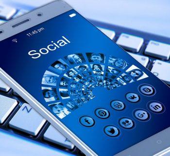 -giovani-e-il-web-i-pericoli-del-sexting-e-cyberbullismo
