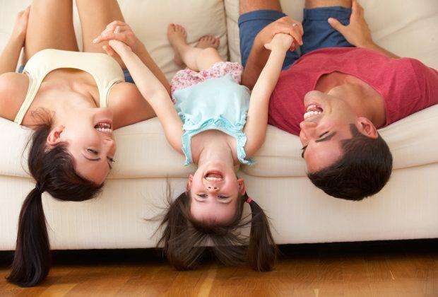 insegnamogli-a-ridere-lumorismo-e-la-chiave-della-felicita-anche-in-pandemia