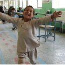 a-felicita-del-bimbo-afgano-con-la-nuova-protesi-(video)