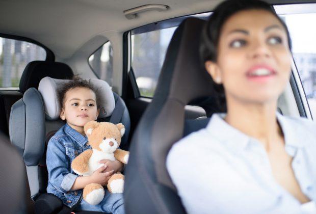 la-guida-di-mamma-e-papa-vista-dai-bambini