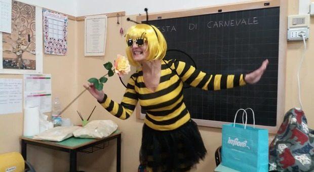la-maestra-che-insegna-vestita-da-clown-se-i-bambini-sono-felici-imparano-meglio