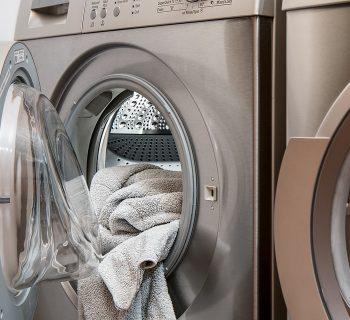 figlia-intrappolata-nella-lavatrice-una-mamma-racconta-su-facebook-la-drammatica-esperienza