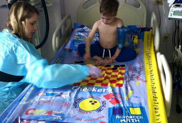 lenzuola-come-giochi-da-tavolo-per-l'ospedale-la-bella-idea-di-un-papa