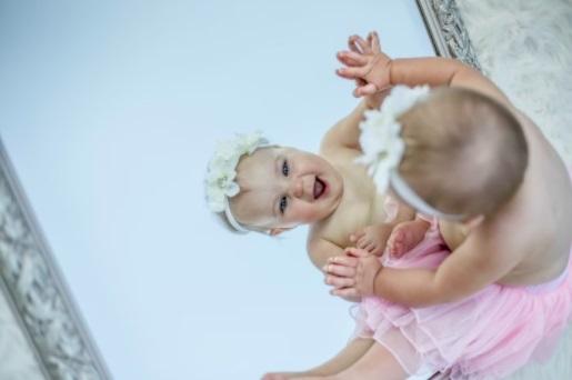 lo-sviluppo-del-bambino-quando-sa-riconoscersi-allo-specchio