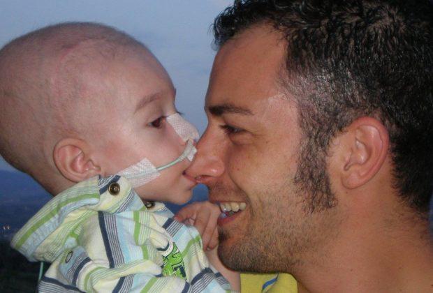il-piccolo-lorenzo-muore-di-tumore-a-5-anni-i-genitori-chiedono-25-milioni-allex-ilva-di-taranto