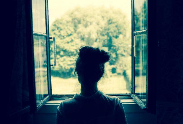 madre-suicida-a-salerno-si-butta-dalla-finestra-dopo-la-poppata