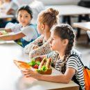 francia-mensa-a-un-euro-e-colazione-gratis-le-misure-di-macron-per-i-poveri-a-scuola
