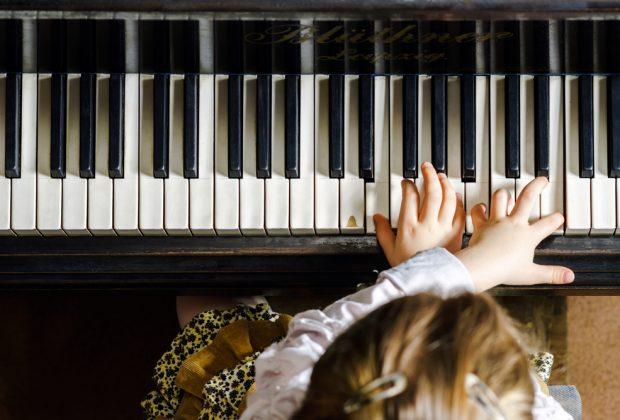 bonus-musica-e-estensione-del-congedo-parentale-le-ultime-novita-del-decreto-rilancio