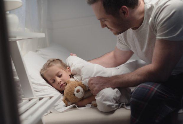 fare-addormentare-presto-i-bambini-fa-bene-anche-ai-genitori-lo-studio